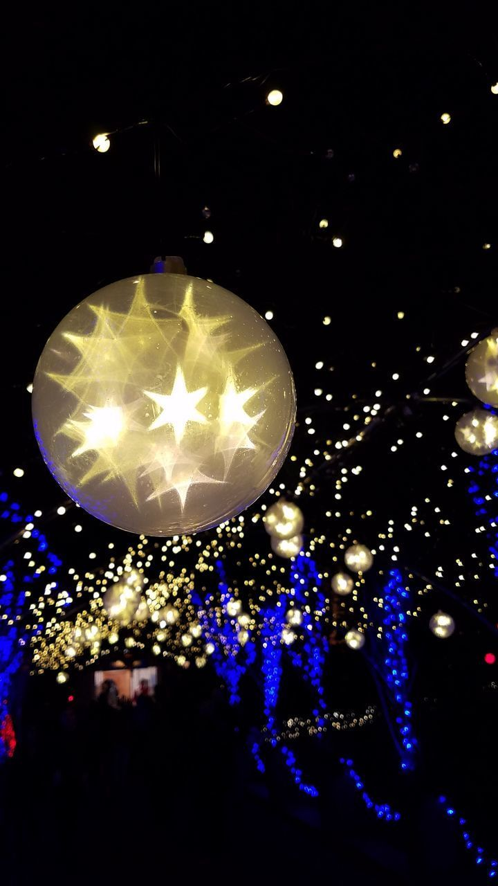 illuminated, lighting equipment, night, celebration, decoration, electricity, christmas, glowing, holiday, light - natural phenomenon, christmas decoration, close-up, light, christmas lights, no people, hanging, event, electric light, indoors, dark, christmas ornament, electrical equipment, festival