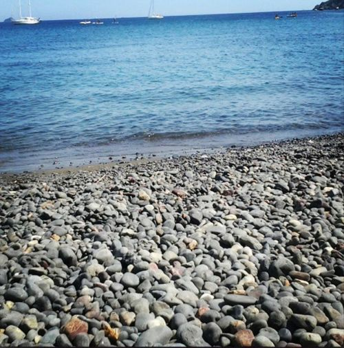 Isola D'Elba  Italy Spiaggia Margidore Sea Stones Relax Calm Boats Waves Shades Of Blue Summer Memories 🌄