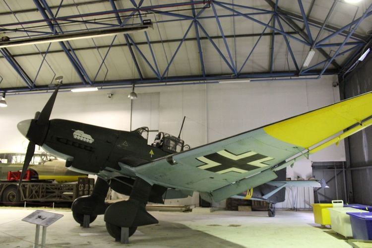 Junkers Ju87-2 Stuka WW2 German dive bomber Airplane Military Airplane