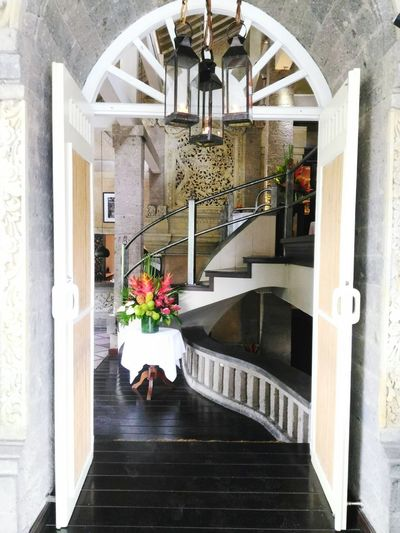 open doors mean open arms. Foods Restaurants Foodies Travel Travelgram Gastronomía Dining Traveler Wanderer Wanderlust Enjoythemoments2018 Weekend Weekender Travelblogger Bali Balidaily Baligasm Ubud Enjoy Bridges Reserved #EyeEm #EyeEmSelects #EyeEmBestShots #eyeemphotography #cuisine #photography Flower Spa Home Showcase Interior Bouquet Spiral Staircase Steps And Staircases Bannister Railing Staircase Stairway Spiral Stairs Arch Stairs