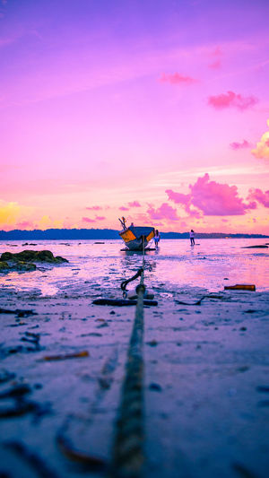 Explore till you find what you love Andamanislands Andamandiaries Havelockisland Andaman Andamans Havelocksunset BeachSunset Boatlife Cloudporn Vacation Sky Lovers Canonasia TeamCanon Explore Explore_india Travel Evening Evening Sky Water Nautical Vessel Sea Sunset Beach Fisherman Reflection Sky Horizon Over Water Low Tide Fishing Boat Tide Coast