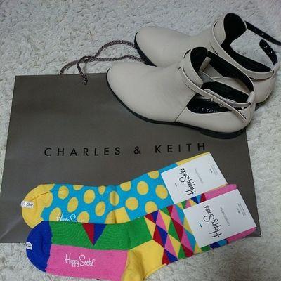 ☝?????? Shopping Happysocks Socks Colorful Charlesandkeithwhiteshoesfavorite