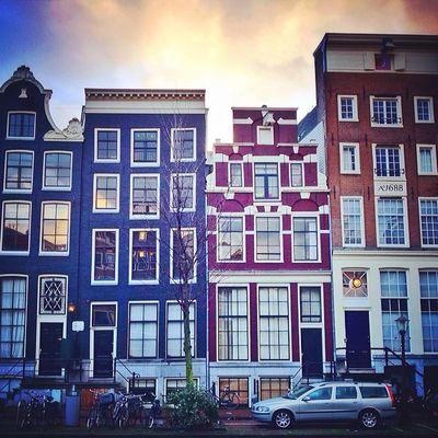 Still plenty of #winter Amsterdam shots in my camera roll ? ⛄️❄️?#amsterdam ❌❌❌#redlight Capture_today Mashpics From_city Amsterdam Qx100 Holland Winter Gf_daily Redlight Igersholland Allshots_ Ic_cities Mokummagazine Insta_holland Igholland