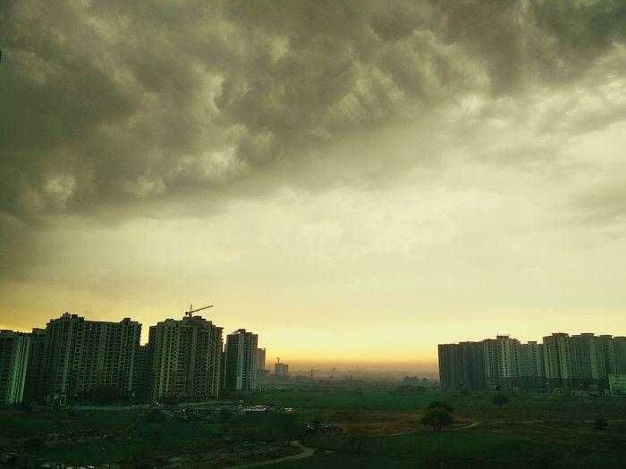Sunand Sky Sunrise Sunrays Sunset #sun #clouds #skylovers #sky #nature #beautifulinnature #naturalbeauty #photography #landscape Monsoon Sun Monsoonsky Smokymorning Landscape_photography Landscaping Lan And Clouds Clouds And Sky
