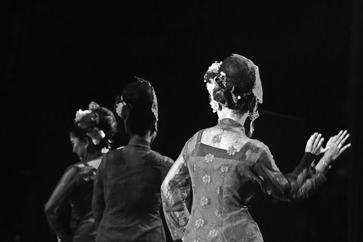 DANGKONG Traditional Dance Classic Style Classic Elegance Traditional Culture Blackandwhite Black And White BW_photography Bwphotography Bw_lover Blackandwhitephotography Black And White Collection  Bw Bw_collection Bws_worldwide Bw Photography Bw_ Collection BW Collection Bw_photooftheday Bw_society Bw_portraits Bwoftheday Dancing Around The World Culture Cultures Culture And Tradition Cultural Heritage Culture Of Indonesia Black Background Actor Performance Performing Arts Event Arts Culture And Entertainment Musician