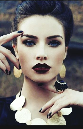 Dark Red Lips Vintage Beauty