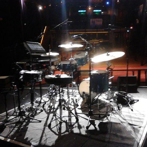 Workn da ?uestlove show 2nite....drum setup TLA