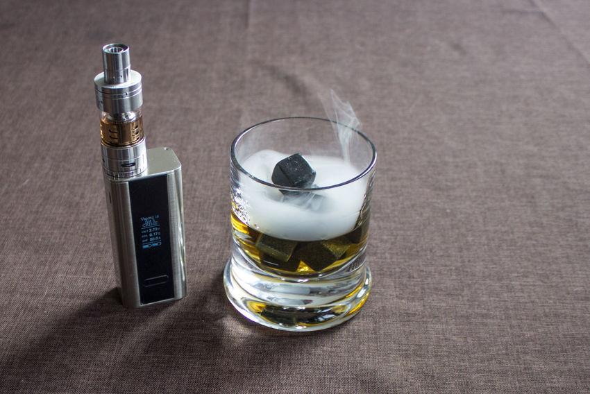 Dampf Dampfen Dampfer E-cig E-Cigarette E-Zigarette Rocks Still Life Vape Vapeporn Vaping Vaping Is The Future Vapingcommunity Vapor Vapour Whiskey Whiskey On Ice Whiskey On The Rocks Whisky
