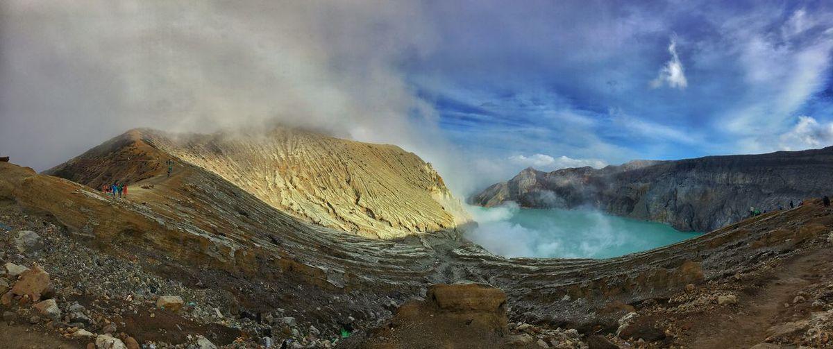 Kawah ijen Banyuwangi,Indonesia Kawah Ijen Gunung Ijen First Eyeem Photo Inndonesia Kawah Ijen Volcano Kawahijen Banyuwangi