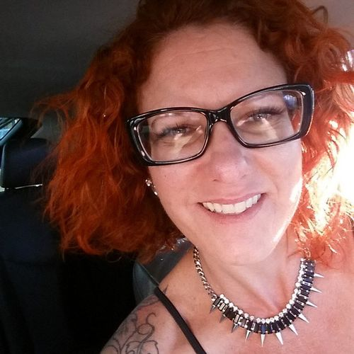 Looking for a bit of fun that isnt permanent or damaging? Come see me in Beverlyhills BeverlyHillsHairColorist ItalyHairFashion has a color conditioner. My ends were a medium to light golden blonde. I wanted a color shift... ColorConditioner HairColor hairstyle HairCut hair curlyhair straightends CopperRedHairColor