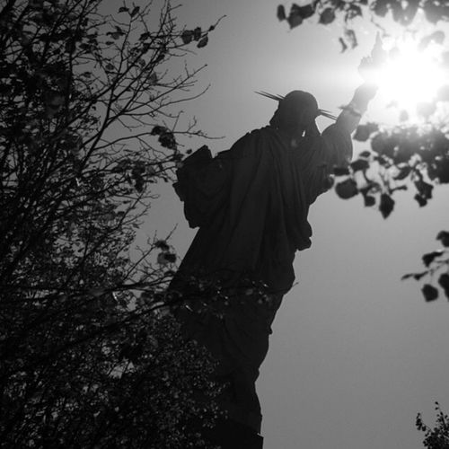 """Contra Luz"" New York City USA USAtrip Libertystatue  Blackandwhite"