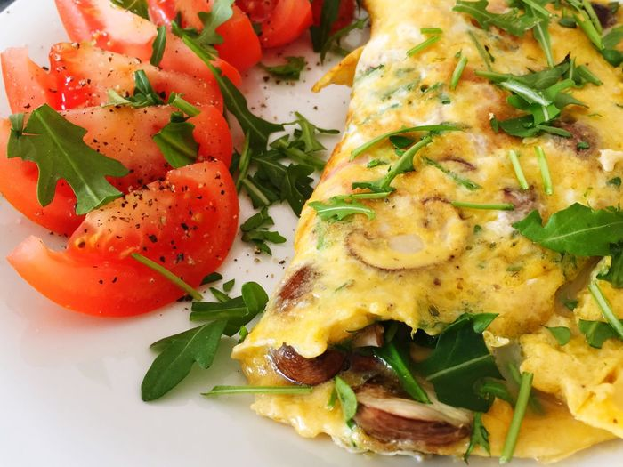 Yummi food 🤗 Lecker Essen  Lecker Champignons Pilze Rauke Rucola Tomatoes Omelette Food And Drink Plate No People Serving Size