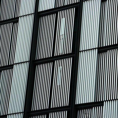 Lines of Bilbao. Bilbao Verybilbao Bilbografias Botxografia Bilbao Bilbaolovers Bilbaocity Igersbilbao Bilbaoarquitecture Lines Arquitectura Architecture Urban Instagram Bnw Bnw_life Bnw Bnw_society Bnw_captures Photography Photooftheday Instapic Canon