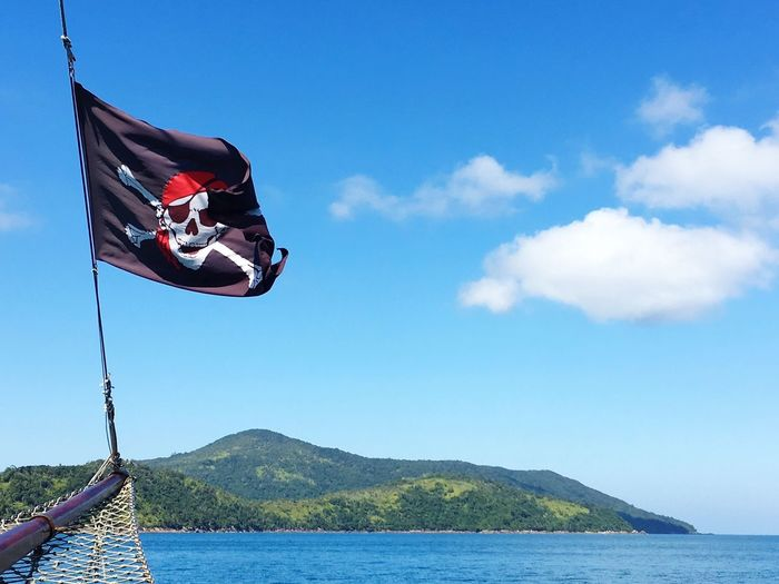 Pirate Ship Pirate Water Sky Mountain Cloud - Sky Nature Day Flag