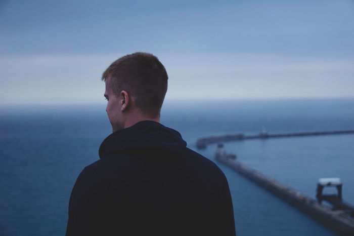 Blue Horizon // Sony a6000 // Beauty In Nature Blue Clear Sky Dover Calmness Youth Focus On Foreground Harbour Horizon Over Water Men Millenial Nature One Person Outdoors Port Rear View Scenics Sea Sky Sony A6000 Standing Vintage Water White Cliffs  White Cliffs Of Dover Sommergefühle EyeEm Selects Breathing Space Investing In Quality Of Life The Week On EyeEm Your Ticket To Europe Connected By Travel Be. Ready. EyeEm Ready   Fashion Stories Shades Of Winter An Eye For Travel This Is Masculinity Inner Power Visual Creativity Focus On The Story #FREIHEITBERLIN The Traveler - 2018 EyeEm Awards