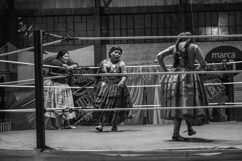 Bolivia Bolivian Cholita Fighting Local Culture Traditional Costume Traditional Culture Wrestling
