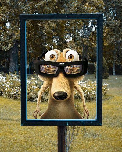 """🌰 2/3 . عشق این دوتا به هم همیشه الگوی من بود و هست😄 اینم از ایشون که با عینک سه بعدی عکس گرفت که عشقش هم تو چشماشِ با عشوه🌰😂 عصریخبندان . پ.ن:ممنون از کسایی که """"همدیگر رو معرفی کنیم"""" به من لطف داشتن من عکساشون رو ٢تا پست بعدی صد در صد میذارم یه مشکلی پیش اومد واسه همین نشد عذر خواهی میکنم🙏🌷"""