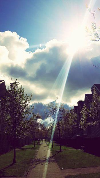 Sun Clouds Bright Beautiful Day Outside Sunnyday 🌸🌷🌿 Jesus Jesus Christ Thankyou Iloveyou Artist Beautiful King Master