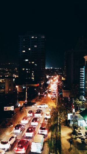 Traffic lights Traffic Lights Trafficlights Cars Carslights Street Streetlights City Life City Street Citylights Timeeater Viña Del Mar Viña Del Mar, Chile Taken From A Bridge From My Point Of View Peopleplaces&things Cafe Boulevard Blurry Lights Blurred Lights Vscocam VSCO Building The Innovator