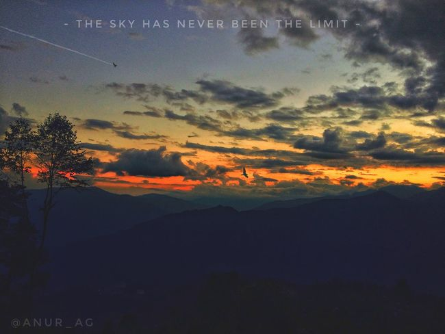 • ONE EVENING AT HOME • ______________________________________ #travelsikkim #travelgangtok #homeiswheretheheartis #beautifuleveningsky #jetinthesky #eaglesoaringhigh #sunsetsarebeautiful #photographyislifee #rookiephotographyskills #practicingshots #selfshot 👌 Sunset Sky Nature Scenics Tranquility Beauty In Nature No People Cloud - Sky Landscape Day Outdoors