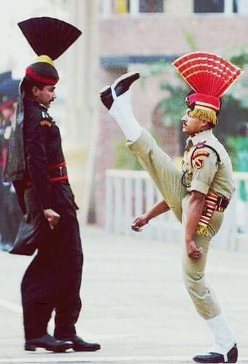 Bsf Guard Salaam Greetings Wagha Border EyeEm Best Shots
