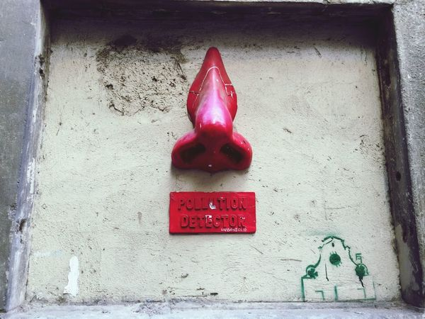 Florence Italy Check This Out Urban EyeEm Best Shots Pollution In My World Nose Urbansolid Streetart Red