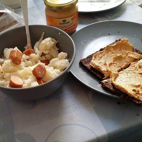 Zeit für Mittagessen Blumenkohl &Soja W ürstchen ALNATURA streichcreme vegetarisch vegan vegansofig vegetarian
