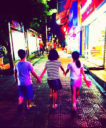 Friendship China Holiday Hand In Hand Night Walk Nightphotography Hanging Out Youth Freedom Happy Fun We Are The World IPhoneography