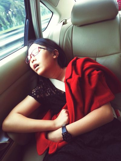 Just trying this out :) Natural Light Portrait Tryingout Notsure Hi! Taking Photos Sleeping Beauty Photooftheday In The Car Hello World Check This Out Taking Photos Cute Feel The Journey Meinautomoment Meinautomoment