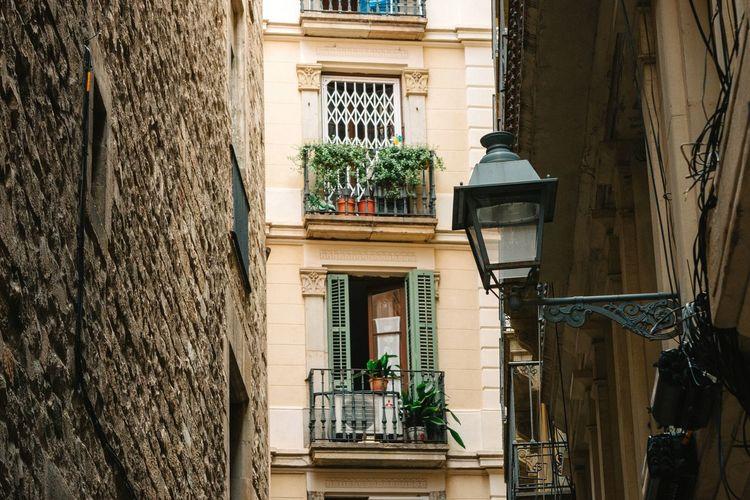 Open window Windows EyeEm Best Shots - Architecture Streetphotography 70-200mm Balcony Narrow Street Urban Landscape Exterior Design Getting Inspired Open
