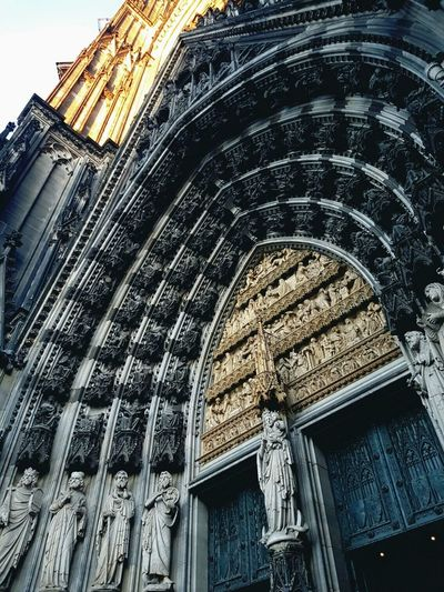 Köln Deutschland Low Angle View Built Structure Religion Architecture Spirituality Place Of Worship Building Exterior No People Day Sky Outdoors Rose Window Mosche