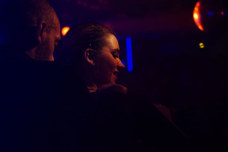 Cliché parisien - desordem e progresso (day 345) (Fall legacy, December 2016, La Mano, Paris) Urban Playground Cliché Parisien La Mano Close-up Headshot Light And Shadow One Woman One Man Portrait Music Arts Culture And Entertainment Nightlife Urban Lifestyle Storytelling Portrait Of People Parisian Cliché Selective Focus People Dancing My Fuckin Paris Urban Shadows