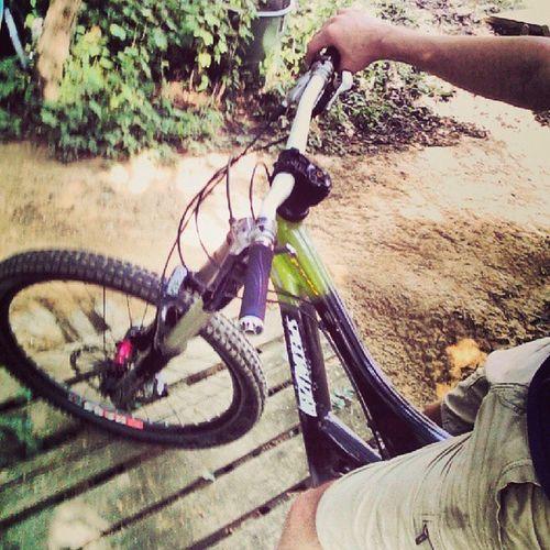 Heute Mal Downhilln Weil dirtbike kaputt aber yolo