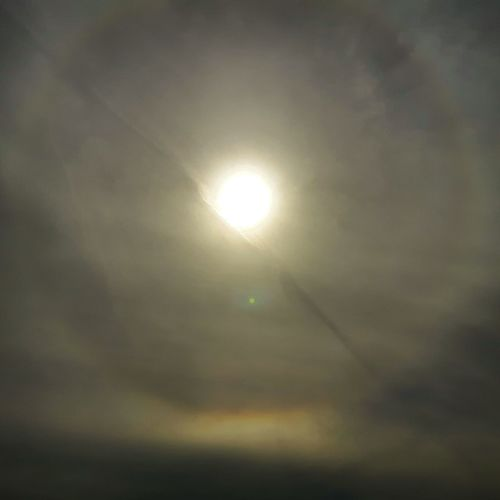 Sun and cloud moment No People Sun Sky Cloud - Sky Outdoors Astronomy Nature Scenics Beauty In Nature Space Eyeemskyshots Sunhalo Halo Sky And Clouds Sunandclouds Sunandshadow Nature Photography Day Scifiesque Scifi Scifi Art Scifiart Scifiworld Soleil Soleil Et Ombres