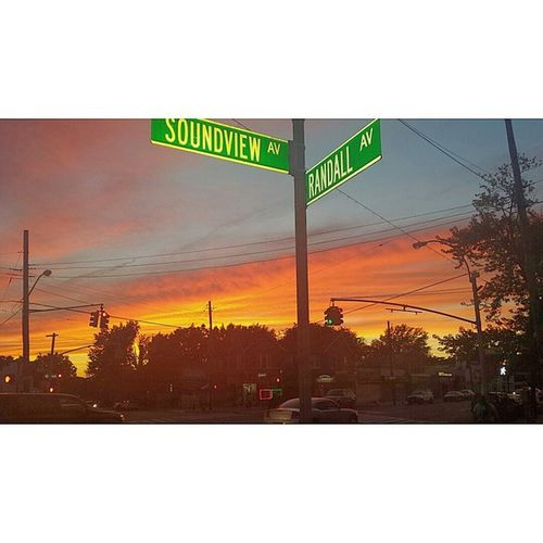 Gorgeous end to a Really nice day 🍗🍖🍔🌽🍚🍻🍷🍰🌅 EndofthesummerBBQ Neighborhoodsessions Brownsugarphotos