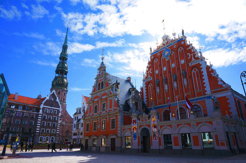 2014 Black Head Guild Church Latvia Riga Sky Sun ブラックヘッドのギルド ラトビア リガ 市庁舎広場 聖ペテロ教会 リガ歴史地区 Eu World Heritage