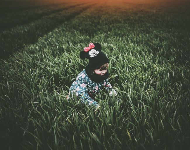 The Great Outdoors - 2017 EyeEm Awards Grass One Person Green Color Flower Day Outdoors Nature Headwear People The Photojournalist - 2017 EyeEm Awards The Portraitist - 2017 EyeEm Awards EyeEm Best Edits EyeEm Best Shots The Week On Eyem EyeEm Gallery Live For The Story Place Of Heart The Portraitist - 2017 EyeEm Awards The Photojournalist - 2017 EyeEm Awards