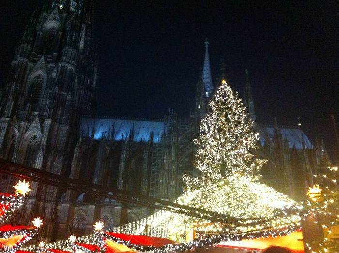I didn't post in a while! But the good news is, I have a bunch of new pictures for you! Here's one of a Christmas market in Köln . Doesn't it look pretty? Christmas Tree Kölner Dom
