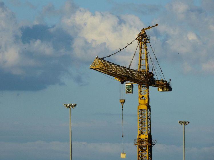 Sky Pesaro Crane Crane - Construction Machinery Crane Truck Engine Costruction Costruzioni Gru Work In Progress EyeEm Gallery Sun EyeEm Eye4photography  EyeEm Best Shots Urbanphotography Urban Cranes EyeEmBestPics