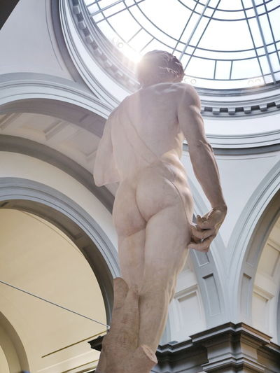 VSCO Vscocam Statue Of David Statue Uffizi Uffizigallery Sunlight Museum Historic Art Sculpture David Statue Of David In Florence Italy Italia Florence Firenze Florence Italy Photography Travel Statue Dome Arch History Architecture