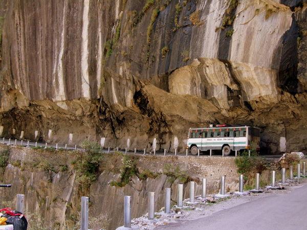 Dangerous Road Himalayan High Himalayan Road