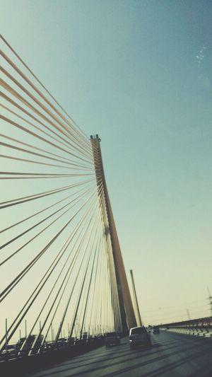 من فوق الجسر المعلّق ،~ واحبّ الرياض بأهلهاا ~