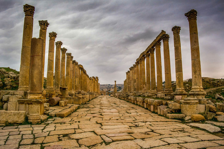 EyeEm Selects History Old Ruin Ancient Travel Destinations Architecture Sky Ancient Civilization Cloud - Sky Outdoors Architectural Column Built Structure No People Day King Kingsroad