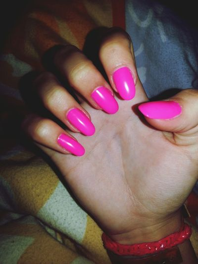 Hi! Nails Neon Pink Love it !!!!!