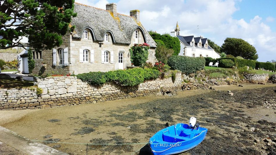Maison house Architecture Building Exterior Barque De Peches wooden fishing boat No People Outdoors Beauty In Nature Blue Sea Side Low Tide Boat Saint Cado Morbihan (56) Bretagne France
