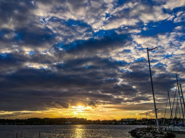 Sky Cloud - Sky Sunset Nature Beauty In Nature Scenics Tranquil Scene Tranquility Outdoors No People Sea Silhouette Water Day