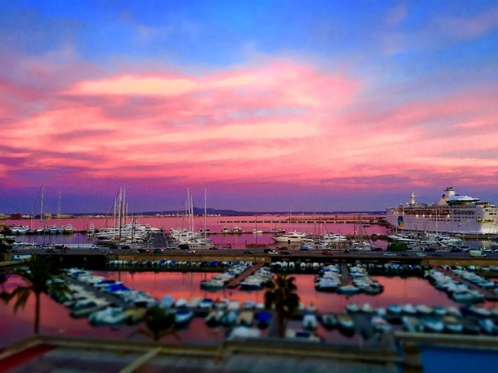 sundowner port palma can barbara harbour luxus yacht http://blog.portalmallorca.de