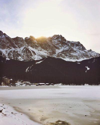 The sun is hiding early those days. Showcase: February EyeEm Best Shots - Nature EyeEm Nature Lover IPhoneography Winter Bavaria Bavarian Alps Eibsee Snow Winter Wonderland Wintertime