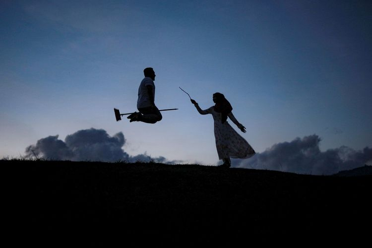 Silhouette Outline People Sky Outdoors War Full Length Only Men Adults Only Adult One Person Day Musical Instrument One Man Only Harry Potter Blue Sky Novel Lovestory Love Cloud Spell Harry Potter ⚡ EyeEmNewHere