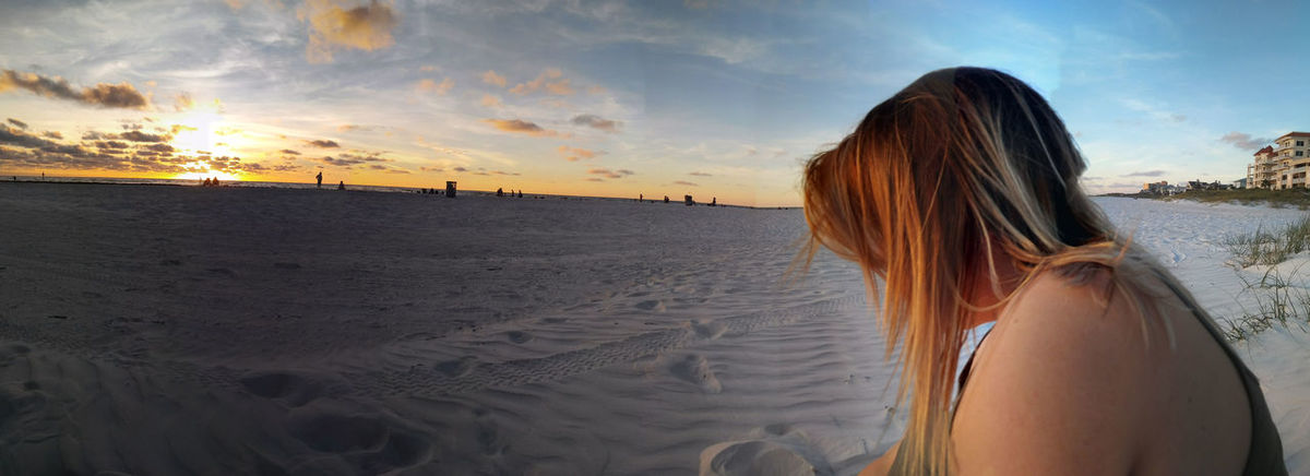 Theres beauty in catching the moment. Clearwaterbeach Beach Oldfriends